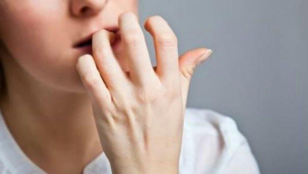 Ako grickate nokte ili zanoktice, imate veće šanse da se razbolite!