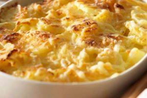 Predlog za ručak: Zapečen krompir s mocarelom