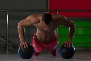 Pronađite rekreaciju po svojoj meri: Otkrijte koji trening je u skladu sa vašim karakterom!vežba! Probajte 12 sklek varijacija (VIDEO)