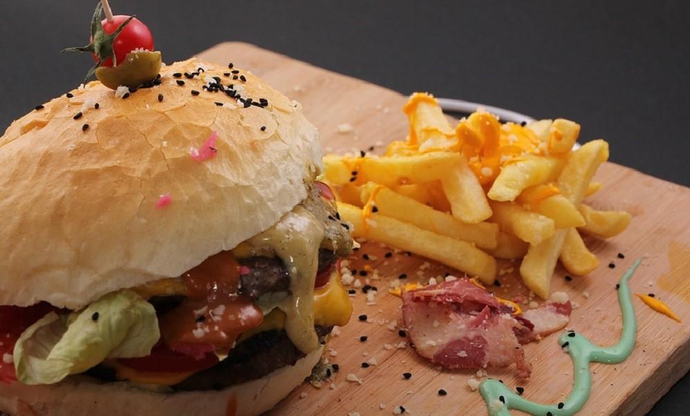 Kako brza hrana utiče na mozak?