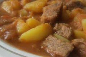 Predlog za ručak: Gulaš čorba s povrćem