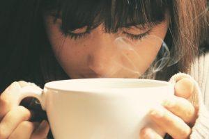 Da li pijete previše kafe? Otkrijte uz jednostavan test s usnama!