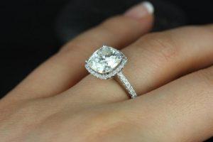 Prsten se drži na četvrtom prstu zbog ovog neverovatnog razloga!
