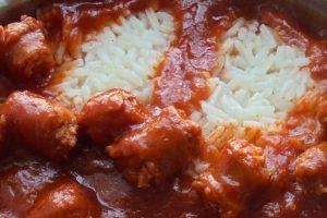 Recept dana: Kobasice u sosu od belog luka