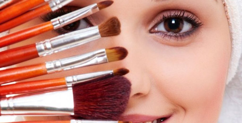 Koja je prava podloga za vaše lice: korektor, puder ili tonirana krema?