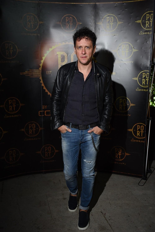 Dženan Lončarević nastupio na prepunom splavu Port, večeras nastupa Tropico band