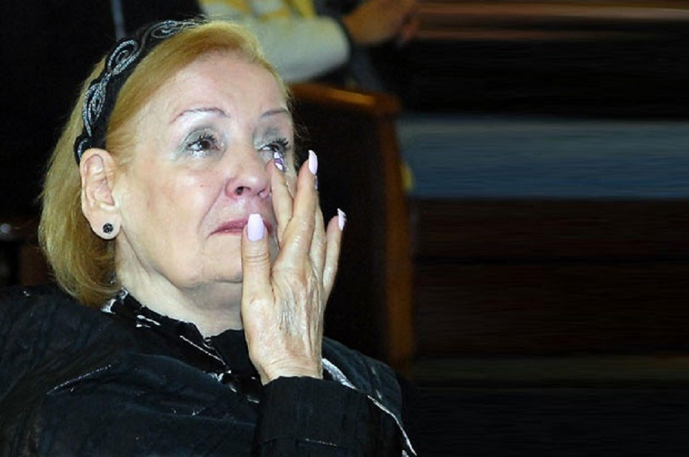 Lepa Lukić u suzama, ne može da se smiri