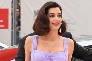 Amal Kluni iskulirala Anđelinu!