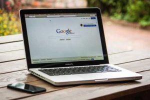 Novi Guglov telefon napada Epl (Apple)!