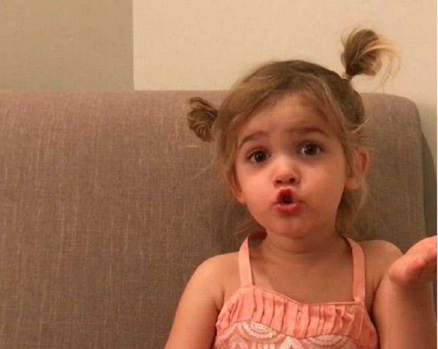 """Ima dve godine i njeni """"problemi"""" su hit na internetu!"""