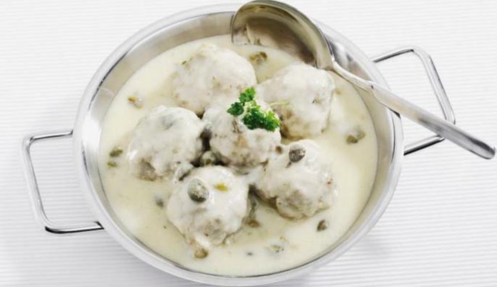 RECEPT DANA: Ćufte u sosu od pečuraka