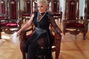"""Indira Levak prvi put uživo peva novi singl """"Dođi"""" za publiku u Kasini!"""