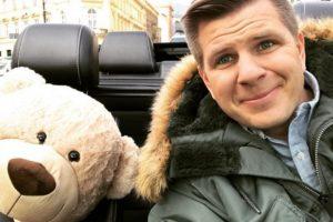 Popularni poljski voditelj doveo usamljenoj devojčici hiljade ljudi na rodjendan