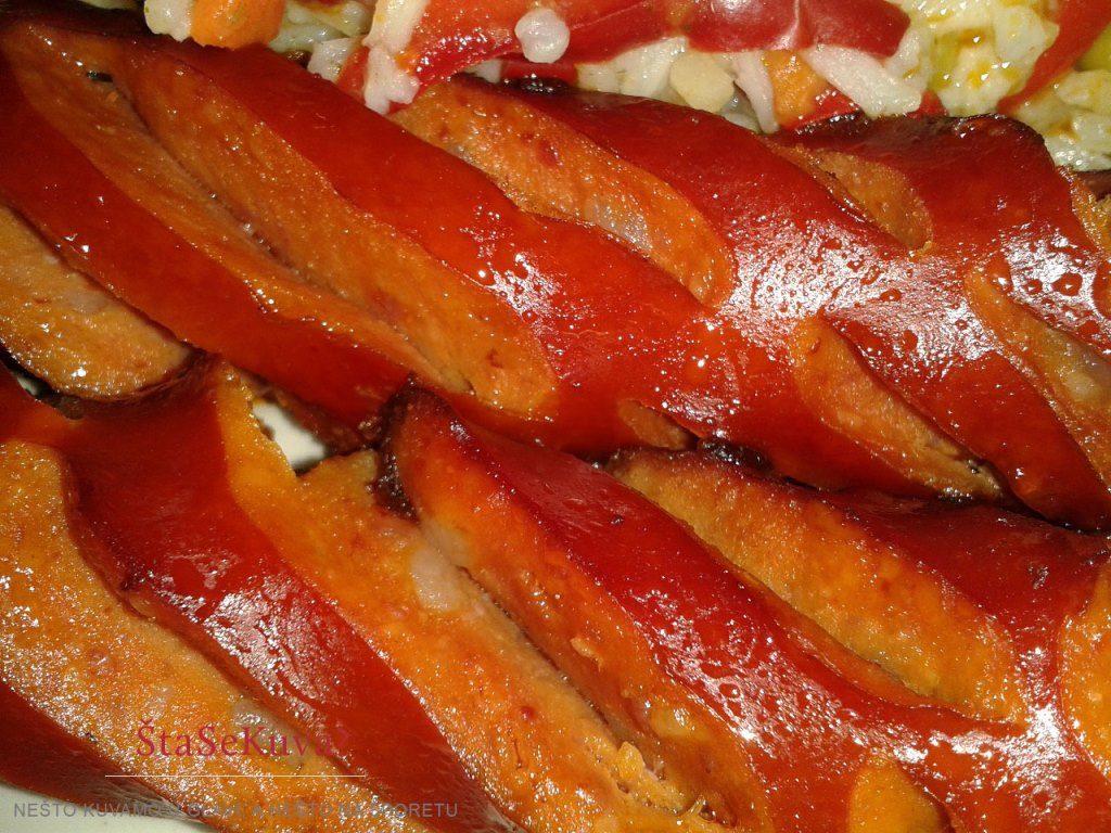 Predlog za ručak: Kobasice u sosu od belog luka