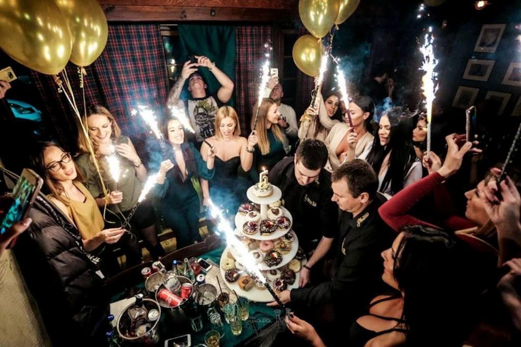 Iza kulisa rođendanske žurke Stare Pesme: Kaća oduševila izgledom, Mira napravila haos!