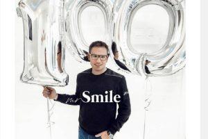 On je popularan na društvenim mrežama! Dizajner osmeha poznatih osvaja svet!