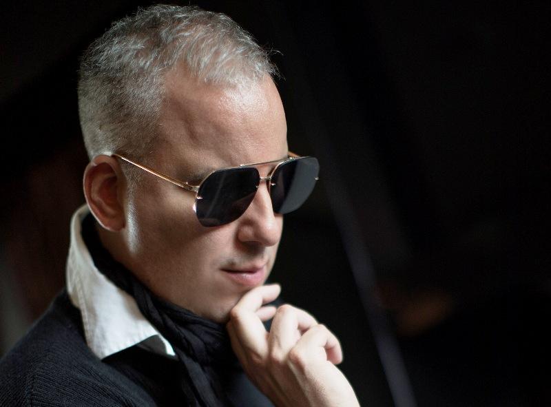 Saša Matić poblici poklanja novi album i dva velika koncerta
