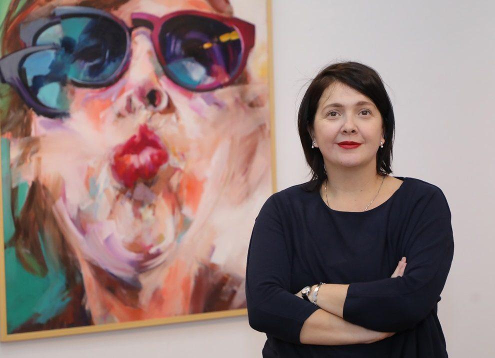 """UNIQA prijatelj izložbe """"Refrakcija identiteta"""" akademske slikarke Maše Đuričić Džudžević"""