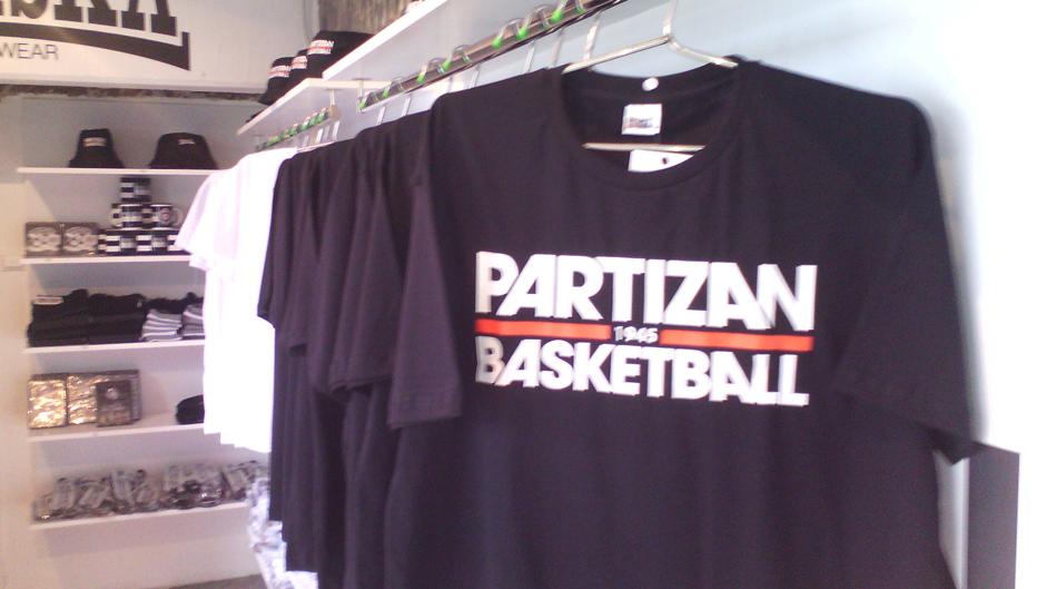 Svečano otvorena prodavnica KK Partizan