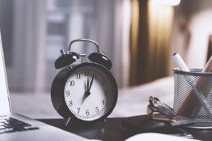 Letnje računanje vremena počinje noćas, dva sata iza ponoći