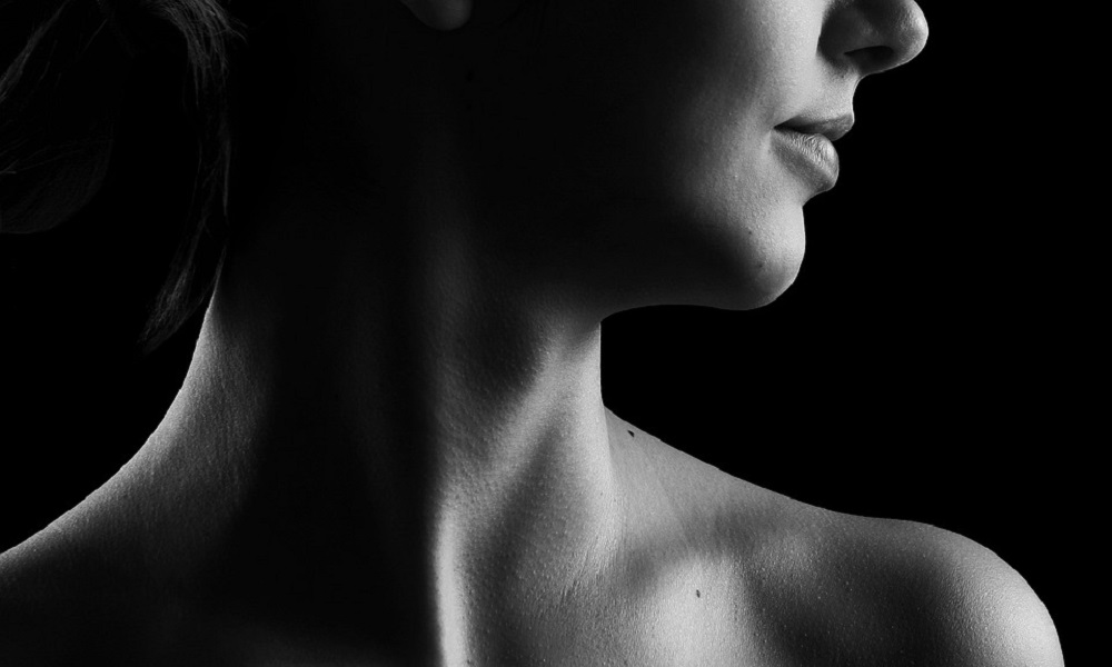 Mini trening koji rešava probleme: Rešite se bolova u vratu i ramenima za samo dva minuta!
