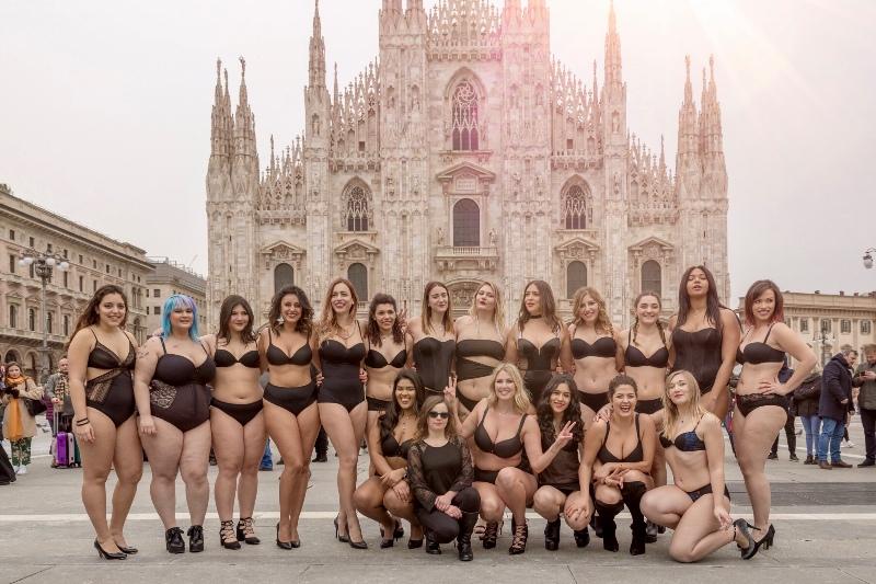 Plus size dame prošetale Milanom SAMO u donjem vešu!