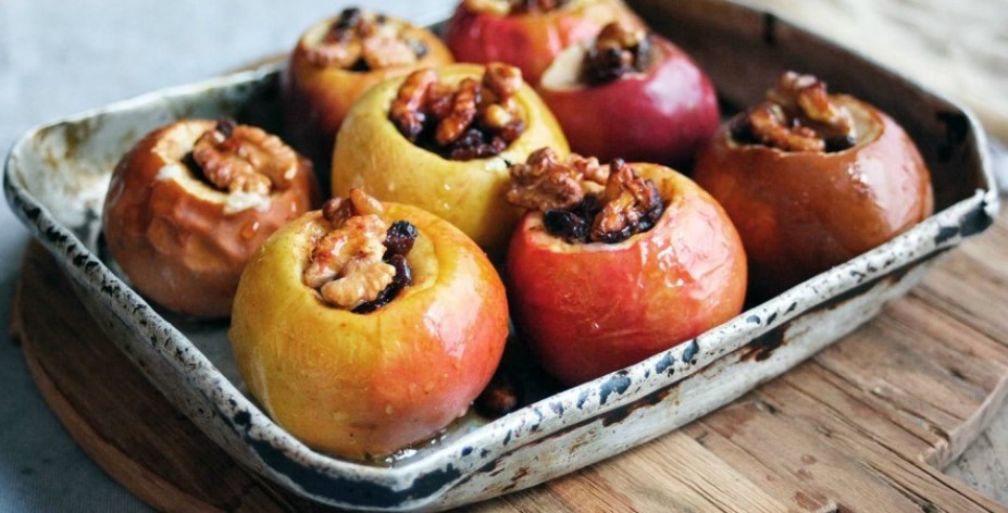 Ukusna večera od punjenih jabuka