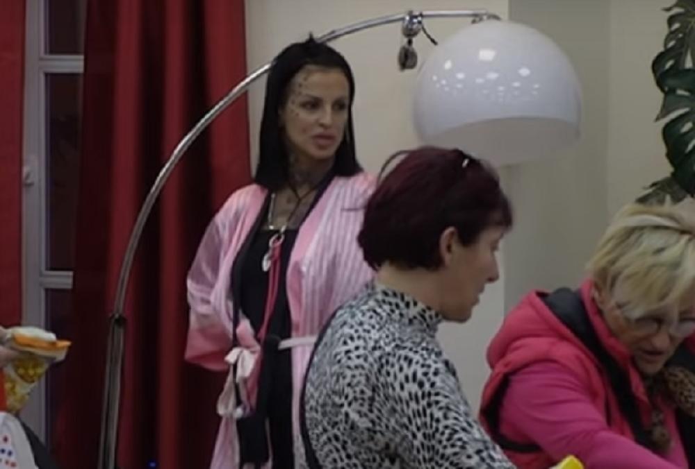 "Žestok SUKOB u ""Zadruzi""! Krunićka napala Nadžedu, odvalila joj šamarčinu! (VIDEO)"