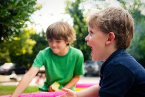 8 stvari koje morate imati u dečjem rancu kada krenete napolje