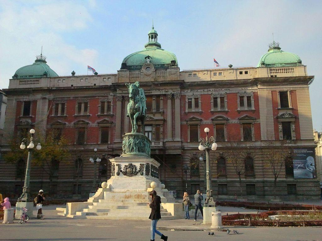 POTVRĐENO Pronalasci na Trgu republike predstavljaju RIMSKE GROBOVE, još nepoznat datum nastavka radova
