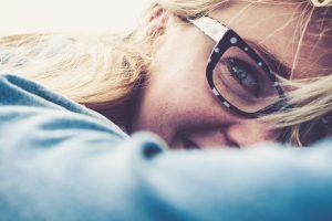 Nakit, naočare, mrlje na odeći...stvari koje ne treba da čistite VLAŽNIM MARAMICAMA