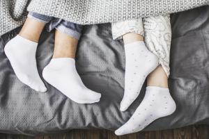 Ako skidate čarape pred spavanje - pravite ogromnu grešku
