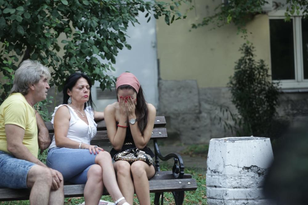 """PRETUČENA ! Milija iz """"Parova"""" pretukao svoju devojku u hotelu """"Jugoslavija"""". Ona prevežena na Urgentni centar"""