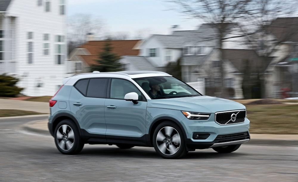 TESLA POJAČAVA SVOJE REDOVE ! Dovela dizajnera modela Volvo XC40