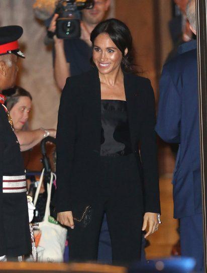 Pantalone Megan Markl su najgora noćna mora kraljice Elizabete