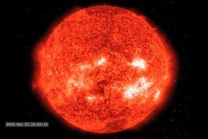 BRITANSKI ZVANIČNICI: Od Sunca u SUBOTU stiže najveća pretnja čovečanstvu ikada! (VIDEO)