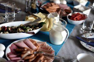 Iznenadićete se: 5 NAMIRNICA koje ne bi trebalo da jedete na PRAZAN STOMAK!