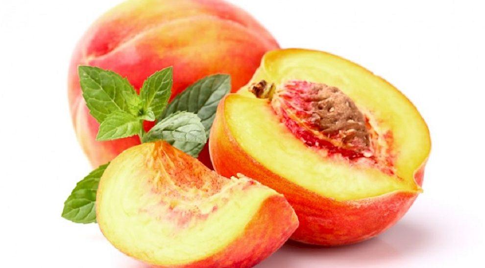 Moć breskve: Oporavite lice uz prirodnu masku od svežeg voća!