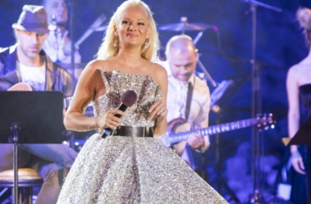Kreator Saša Milojković plakao na koncertu Ilde Šaulić, ona ga tešila sa bine!