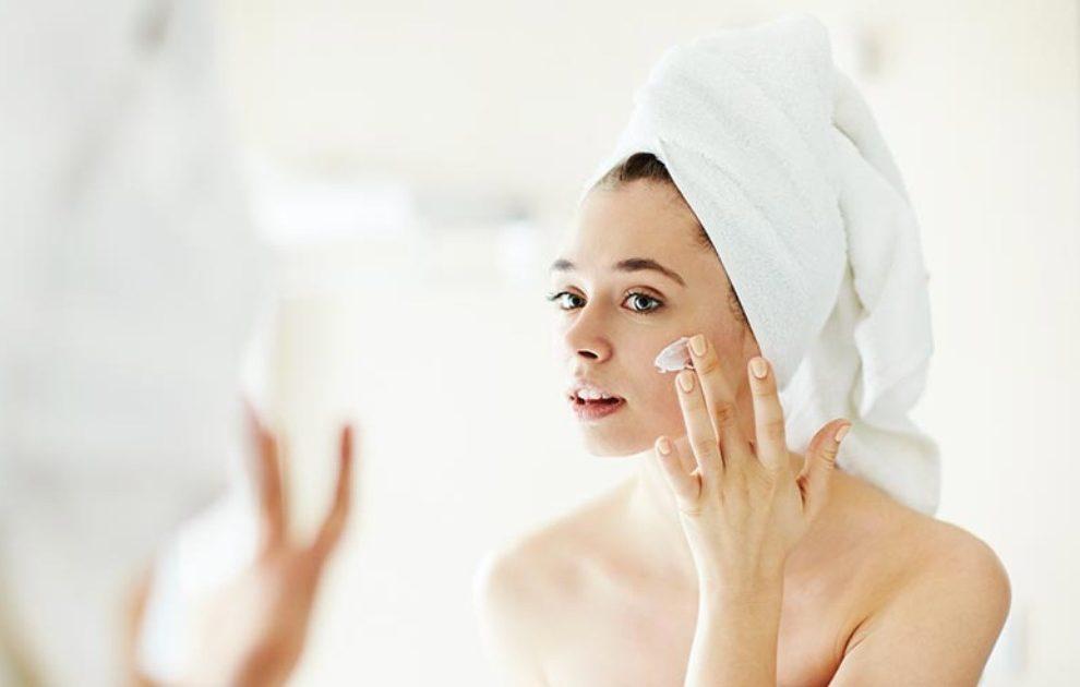 UKLONI SVE MRLJE I OŽILJKE ZA MINUT: Potrebna ti je samo jedna namirnica za lice čisto kao papir