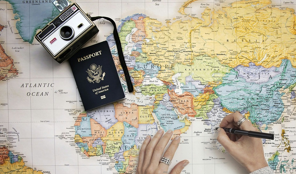 Zašto se pasoši štampaju samo u četiri boje?