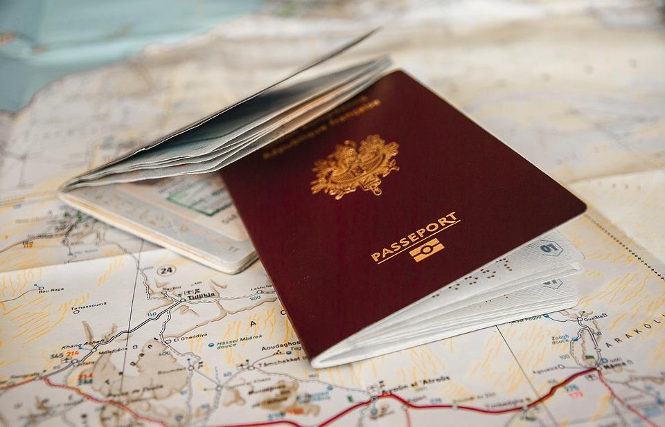 """FRANCUSKA-prva zemlja u Evropi koja uvodi """"zelene vakcina pasoše"""""""