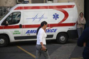 Roditelji Darka Lazića primećeni kako užurbano napuštaju bolnicu