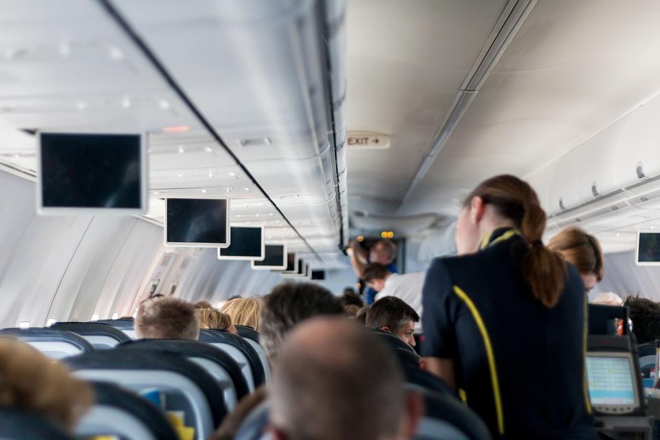 Stjuardese i piloti otkrivaju: 4 mračne tajne letenja kojih morate biti svesni