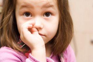 Ozbiljne posledice mogu imati deca zbog jedne veoma loše navike-čačkanje nosa