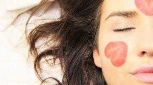 KUĆNA VARIJANTA: Uz ove SASTOJKE iz KUHINJE nećete morati da TROŠITE NOVAC na kozmetiku i tretmane!