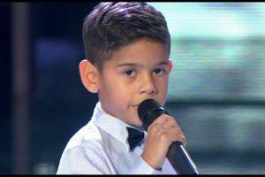 """Dečak od 5 godina ulazi u """"Parove"""". Znamo ga iz muzičkog takmičenja, a on ulazi sa porodicom"""