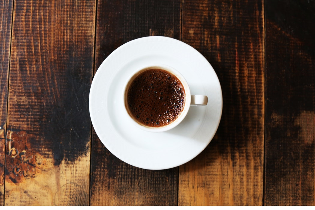 Pijete ČETIRI KAFE dnevno? Evo kako se to utiče na vaše ZDRAVLJE