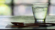 Evo zašto NIJE dobro piti VODU koja je stajala cele noći u čaši!
