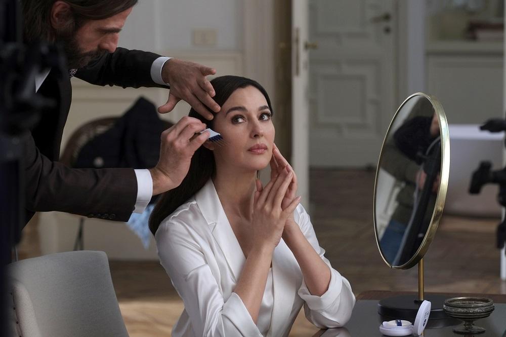 NIVEA predstavlja Moniku Beluči, ambasadora proizvoda za negu lica, u kampanji za novu liniju Hyaluron Cellular Filler